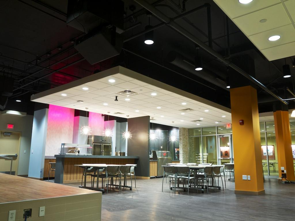 Macalester opens new lounge, The Loch