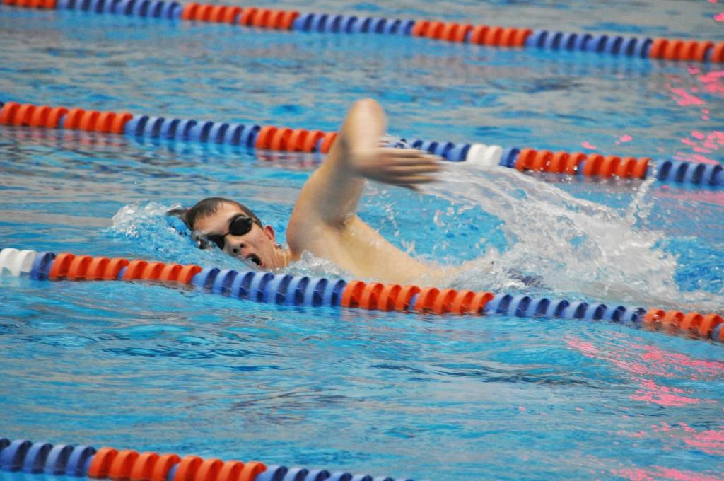 Men's swimming and diving ready for the long haul