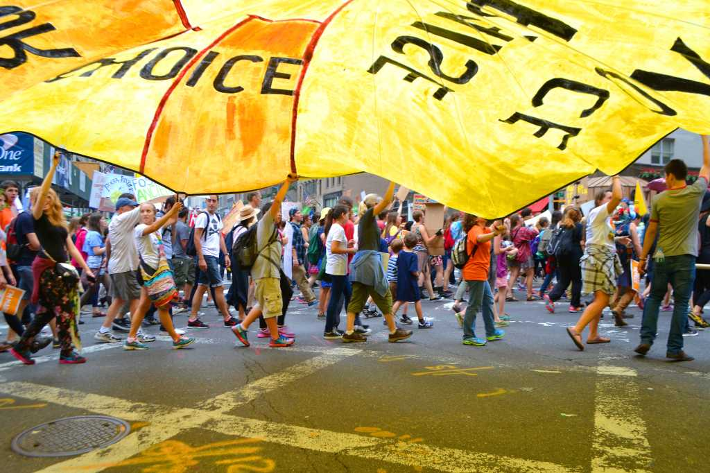 Macalester students participate in New York People's Climate March