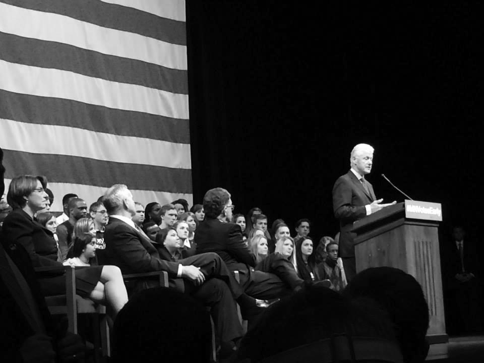 Mac students attend DFL event, hear former President Clinton speak