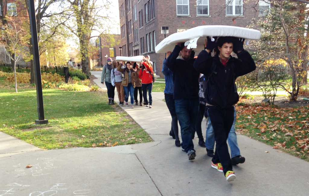 Macalester students participate in 'Carry the Weight' demonstration