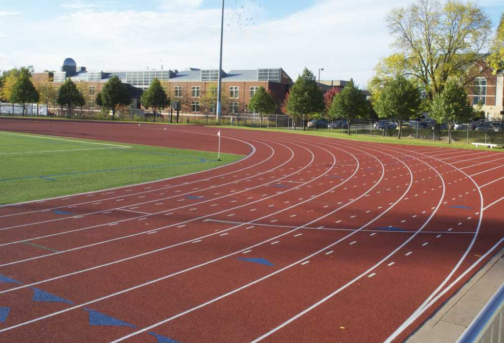 The+outdoor+track+received+a+full+replacement+over+the+summer.+Photo+by+Joe+Bermas-Dawes%2717.