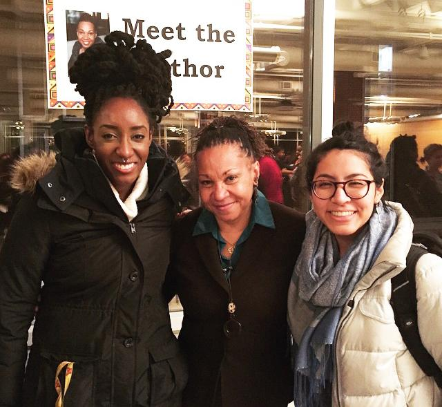 Dr.+DeGruy+gave+the+keynote+presentation+for+Black+History+Month+events+at+Macalester+this+week.+Above%2C+students+pose+with+Joy+DeGruy+%28center%29.+Photo+by+Michelle+Kiang+%E2%80%9915.