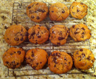 Delicious chocolate chip cookies: made with or without gluten