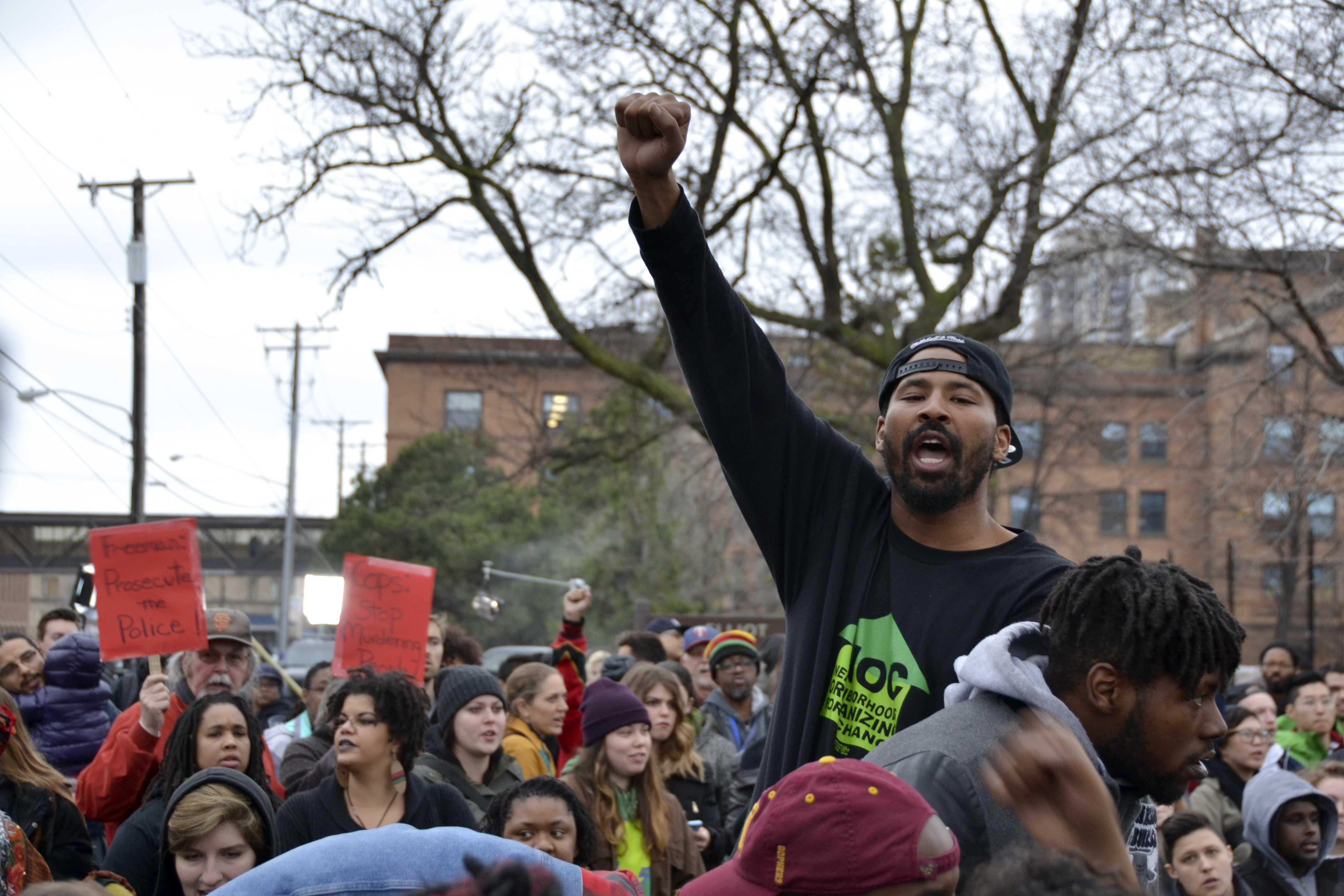 Community protests Jamar Clark verdict