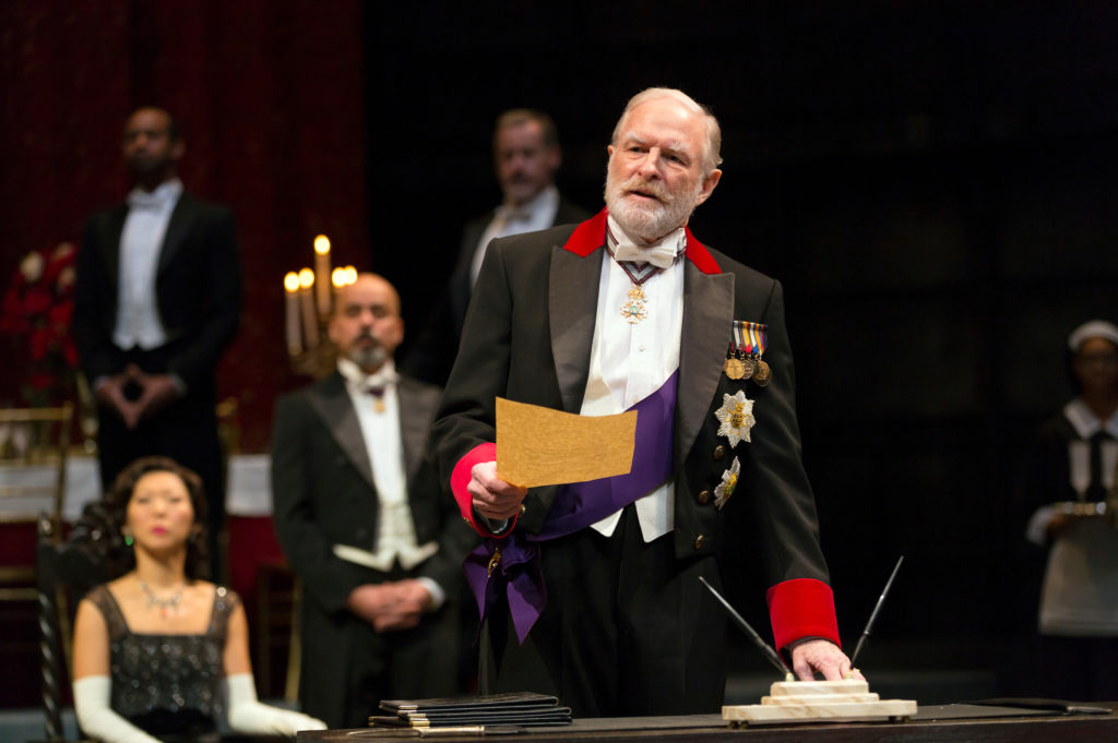 Stephen Yoakam plays King Lear. Photos courtesy of Charles Erickson for Guthrie Theater.