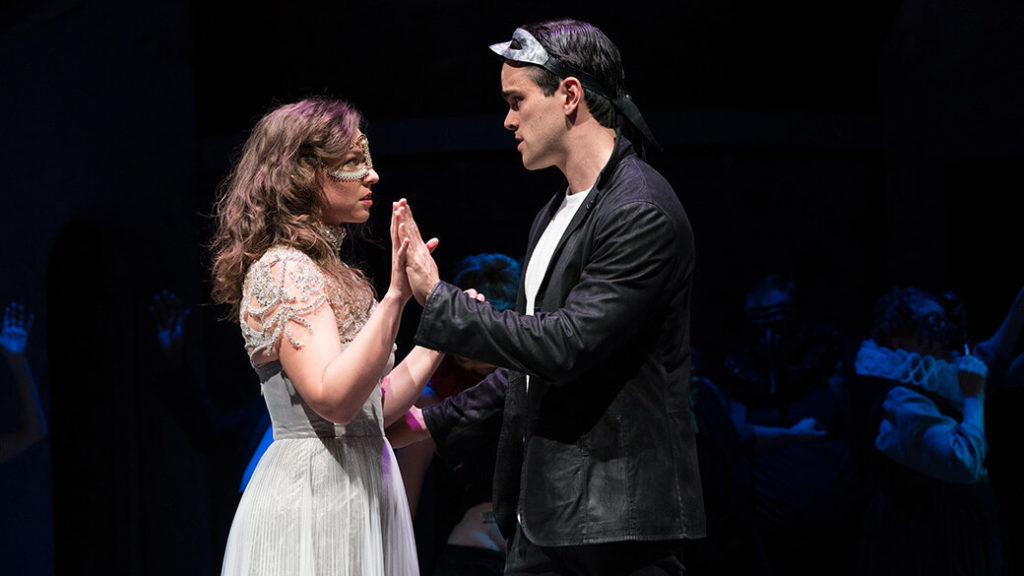 Review: Romeo and Juliet at the Guthrie Theater