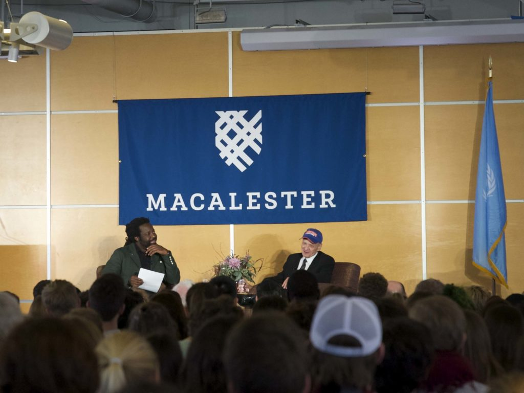 Peace writer Tim O'Brien '68 discusses war at Macalester