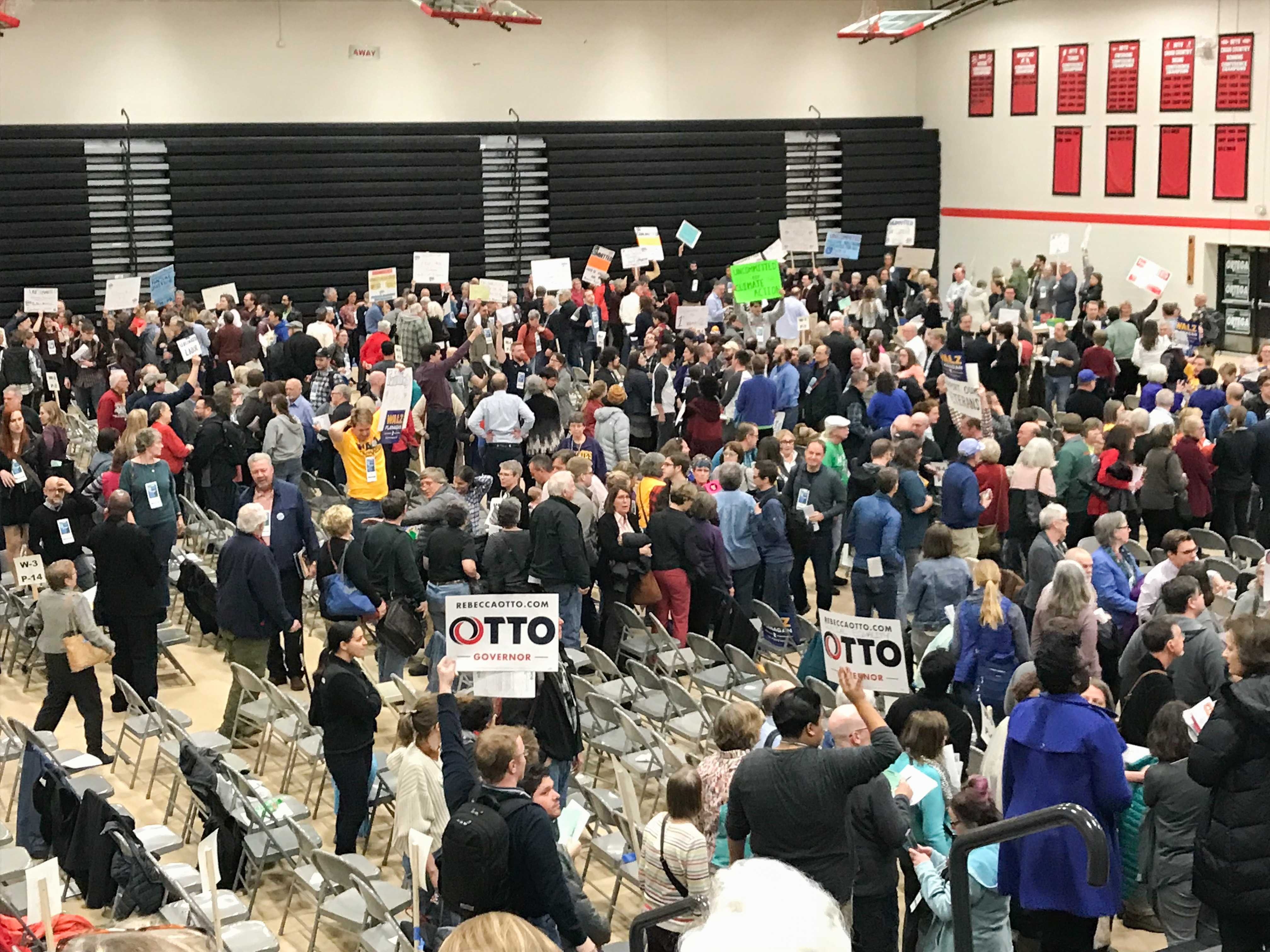 Subcaucuses vye for delegates on the floor of the DFL Senate District 64 Convention. Photo by Hannah Catlin '21.