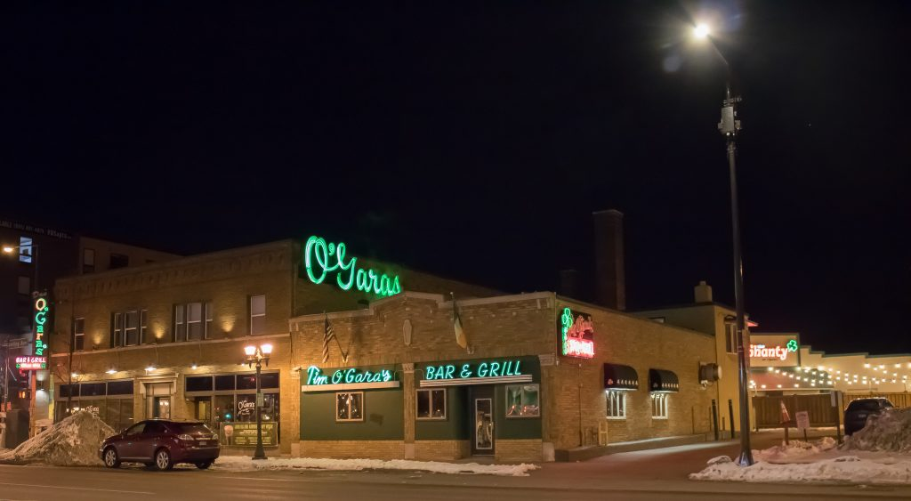 O'Gara's Bar and Grill will undergo major renovations in the coming year. The new building will have a smaller restaurant area on the bottom floor and new apartments above. Story available at themacweekly.com. Photo by Carmen Bustamante '18.