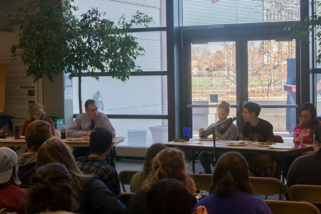 Noah Stieglitz '18 addresses MPIRG's town hall on wages and labor at Macalester. Photo by Carmen Bustamante '18.