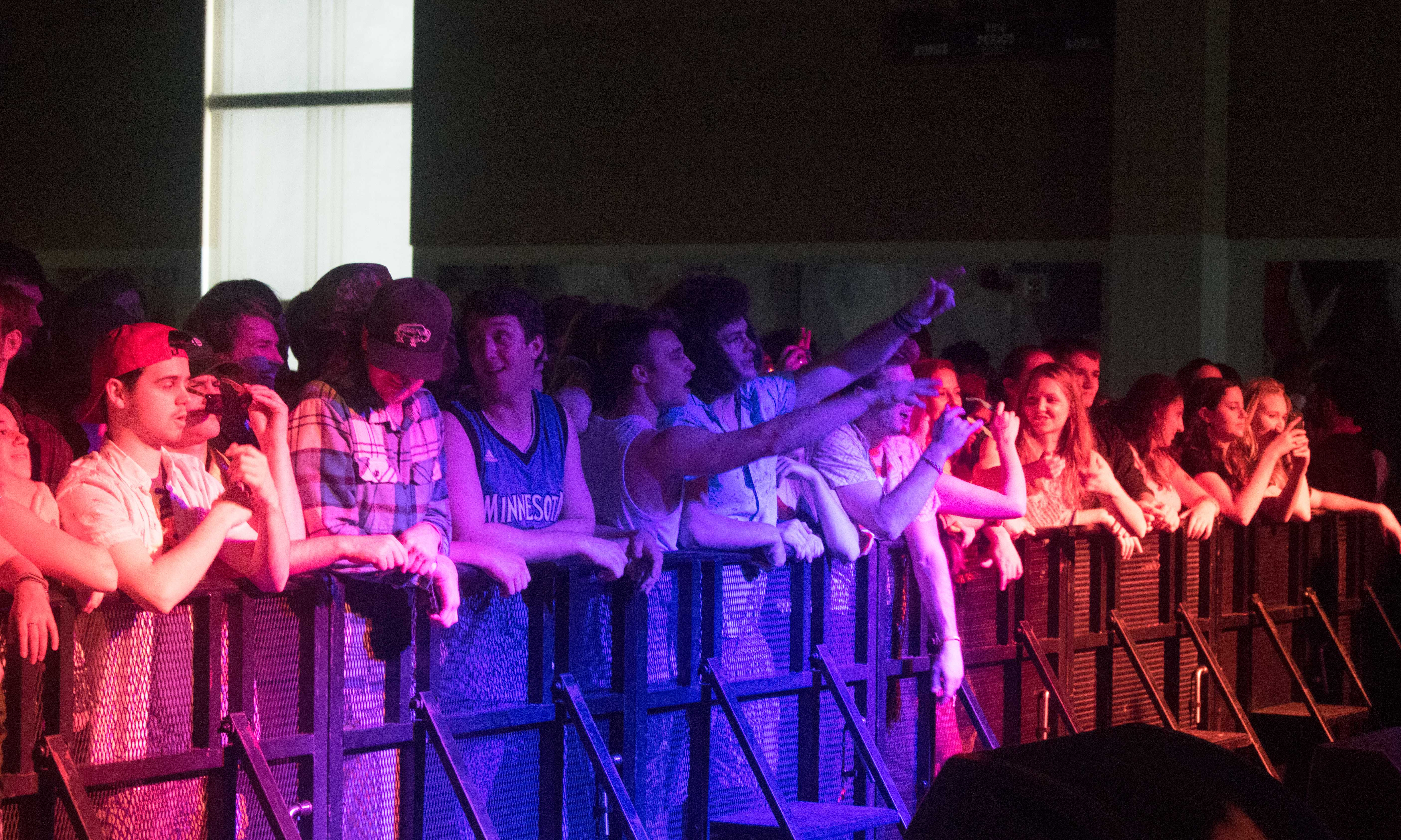 Smallpools warms  weather-beaten crowd