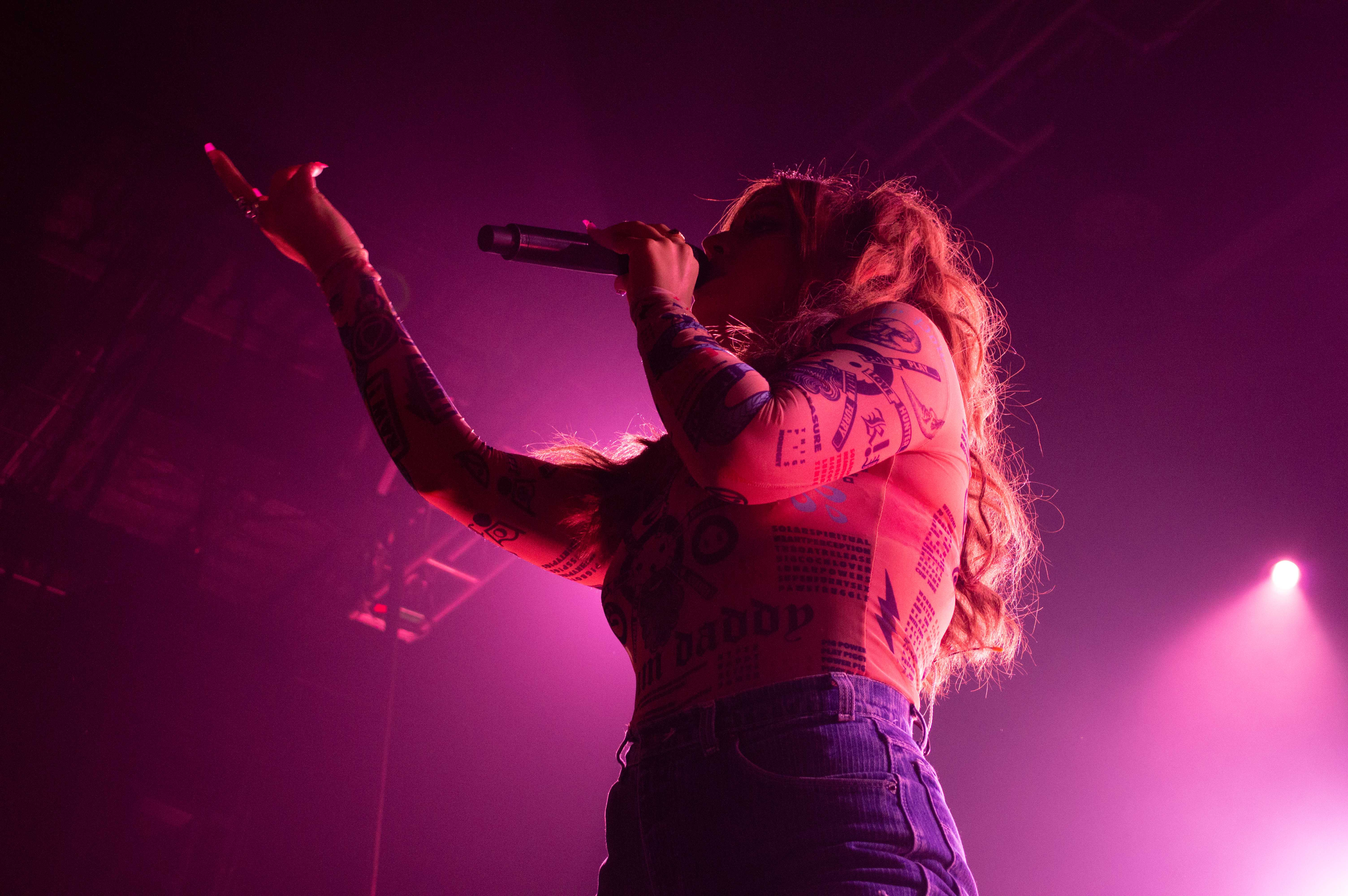 Alina Baraz performs at First Avenue in Minneapolis. Photo by Betsy Barthelemy '21