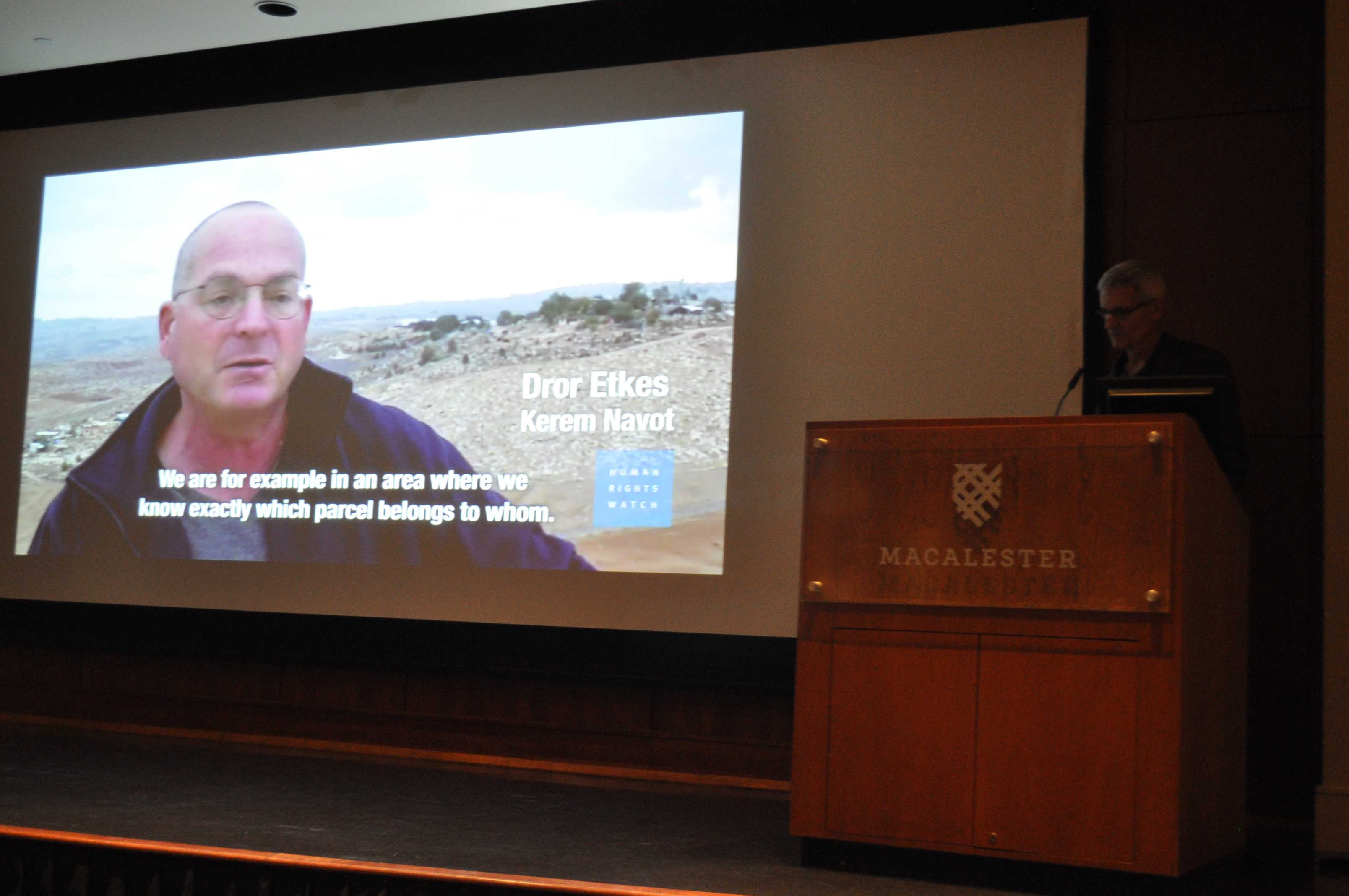 Eric Goldstein, deputy director of Human Rights Watch, spoke at Macalester on Tuesday. Photo by Malcom Cooke '21.