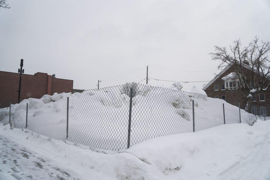 1661+Grand+Avenue+snowed-in+after+Wednesday%E2%80%99s+storm.+Photo+by+Summer+Xu+%E2%80%9919.