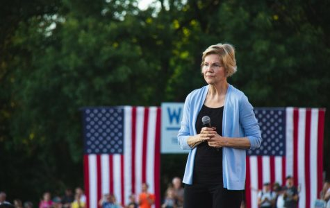 Warren visits Shaw Field, talks economic injustice and government corruption