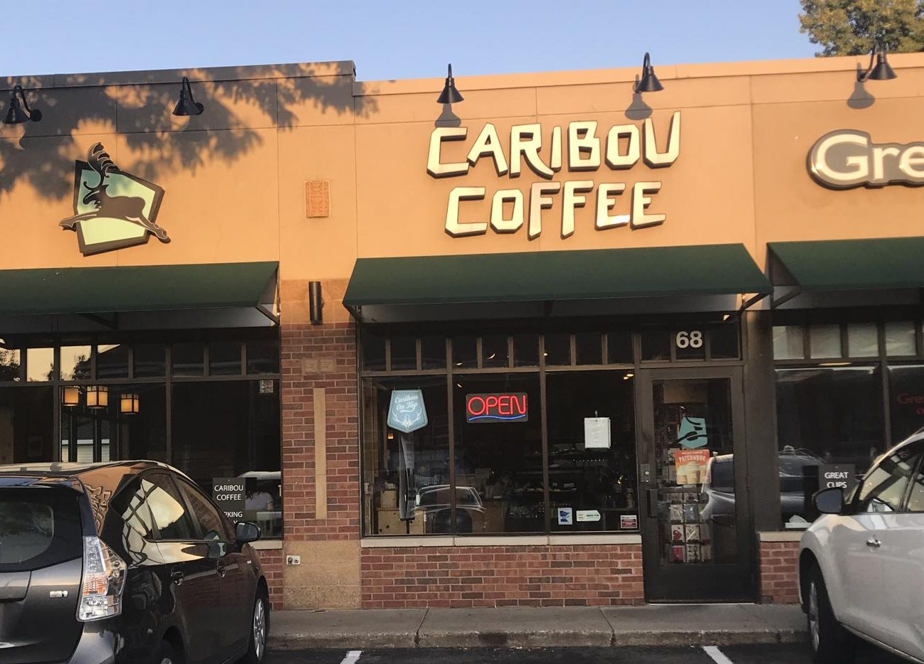 Photo of Caribou Coffee on 68 Snelling Avenue, across the street from Macalester's campus. Photo by Lindsay Weber '21.