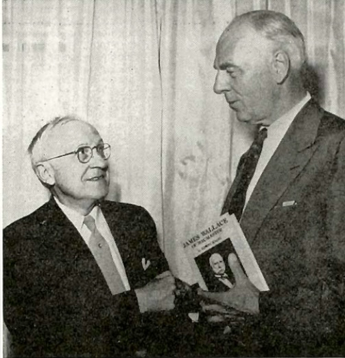 Edwin Kagin and DeWitt Wallace. Photo from The Mac Weekly archive.
