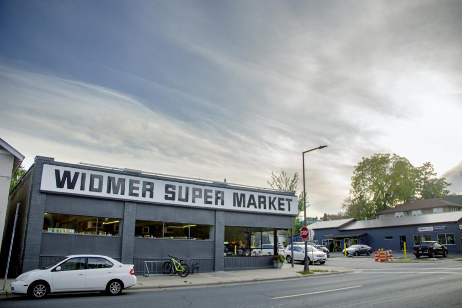 Photo+of+Widmer%E2%80%99s+Super+Market+in+2019.+Widmer%E2%80%99s+is+an+iconic+feature+of+Mac+Groveland.+Photo+by+Celia+Johnson+%E2%80%9922.