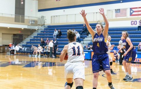 Macalester Women's Basketball faced off against the University of Northwestern on Tuesday, 11/19. Photo by Owen Pearlman '23.