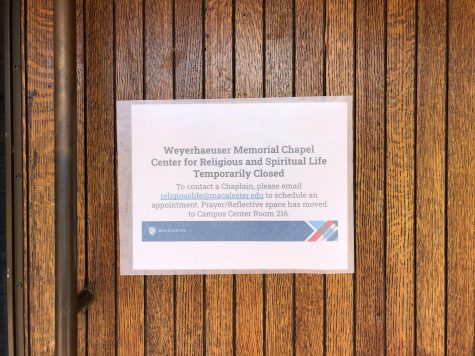 Sign on the closed doors of Weyerhaeuser Chapel. Photo by Lily Denehy