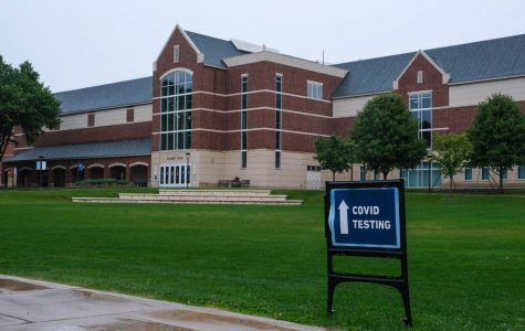 A second wave of COVID-19 testing occurred this week in the Leonard Center. Photo by Malcolm Cooke '21.