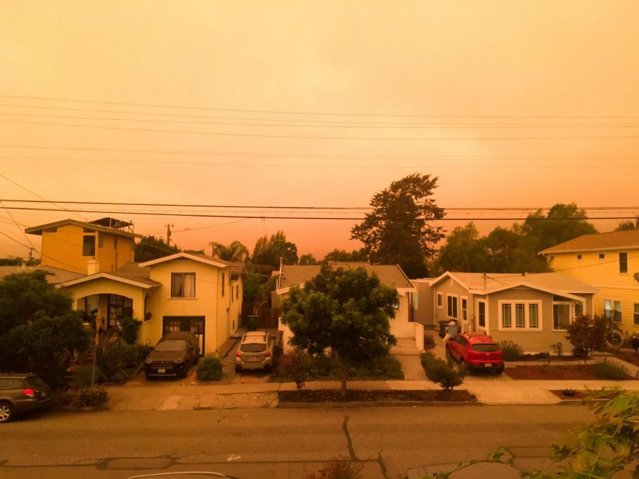 Haze from wildfires on the West Coast. Photo by Niko Bjork '22