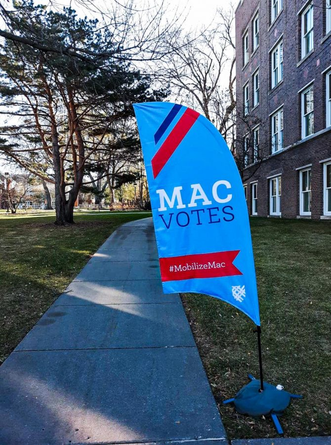 A voting banner outside Carnegie on election day. Photo by Estelle Timar-Wilcox '22.